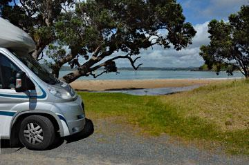 Parking in Whangaumu Bay