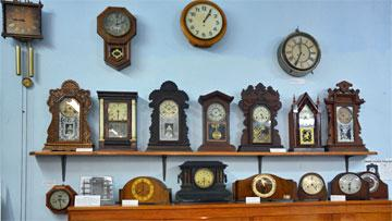 Mantlepiece clock collection