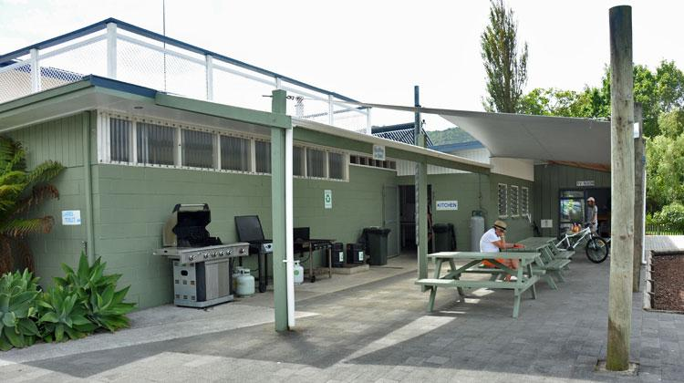 Taupo Bay Holiday Park barbeque area