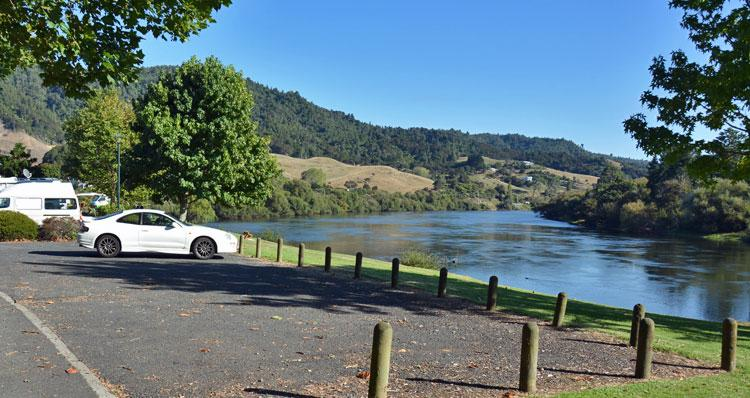 Parking with a view over the Waikato river
