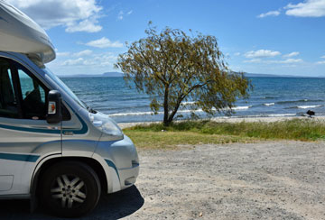 Parking beside Lake Taupo