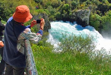 Getting a picture of the Huka Falls