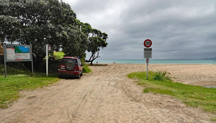 Access to Langs Beach