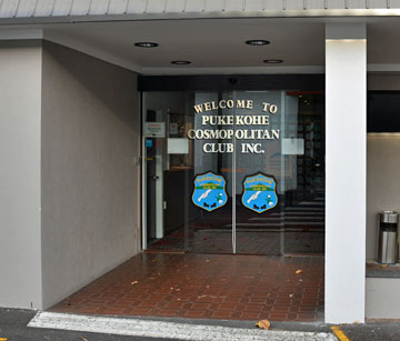 Entrance to the Pukekohe Cosmopolitan Club
