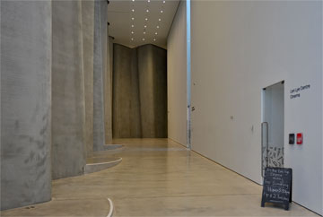 Foyer entrance to the gallery