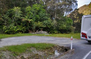 Limited parking at the northern end of the Moki Tunnel