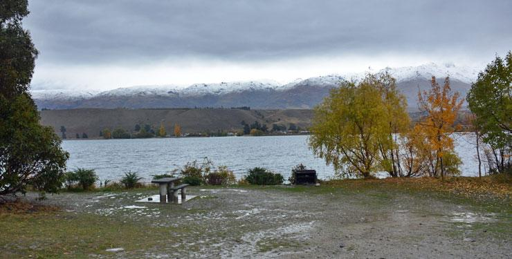 View out over Lake Dunstan