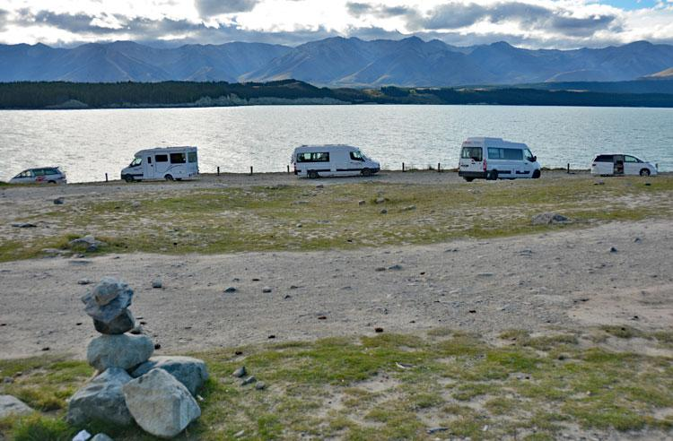 Motorhome parking along the lakefront