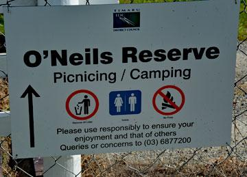 O'Neils Reserve picnicing and camping sign