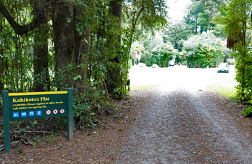 Entrance to the Kahikatea Flat campground