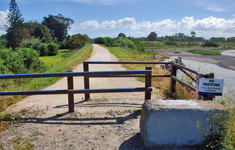 Entrance to the cycleway