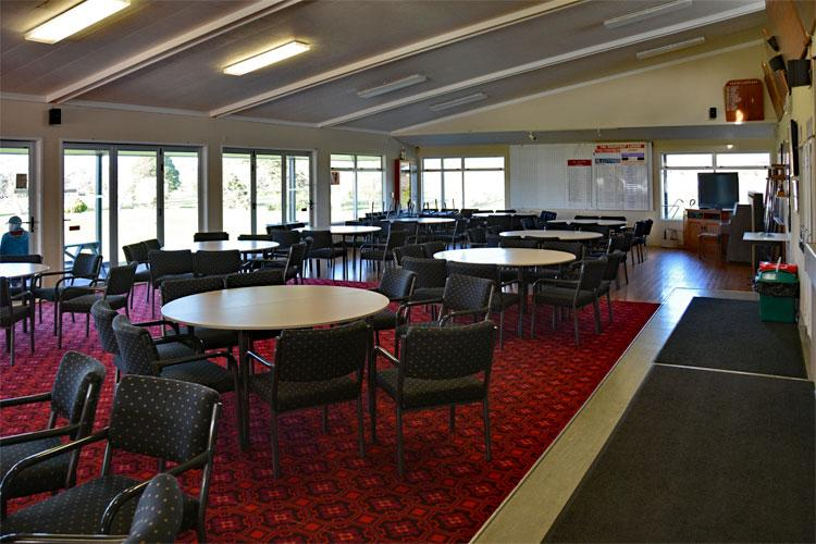 Omokoroa Golf Club dining area