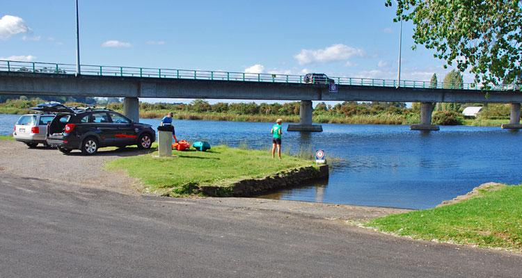 Wairoa bridge parking and harbour access