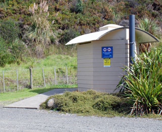 Public toilet at the Hot Water Beach rest area